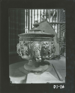 D1-16 Cat. Pila bautismal renacentista, siglo XVI