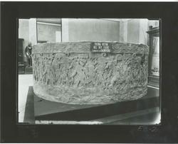 E3-2 Piedra votiva del rey Tizoc, llamada de los sacrificios