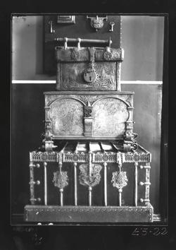 E3-22  Arcón gótico, arca renacentista y arqueta mudéjar