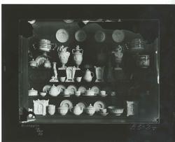 E3-24 Figuras de porcelana,  siglo XVIII