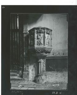 H2-6 El Parral. Púlpito gótico