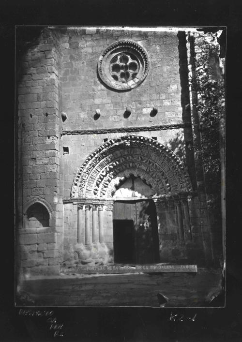 K2-1 Iglesia de la Magdalena. Portada principal