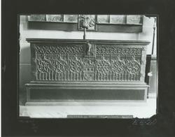 E3-20 Arca gótica procedente de la catedral de León