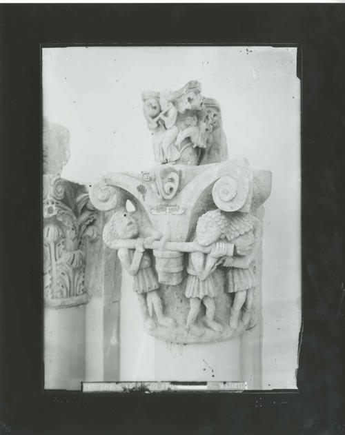 E3-8 Capiteles de Mave(inf) y de Aguilar de Campoo(sup)
