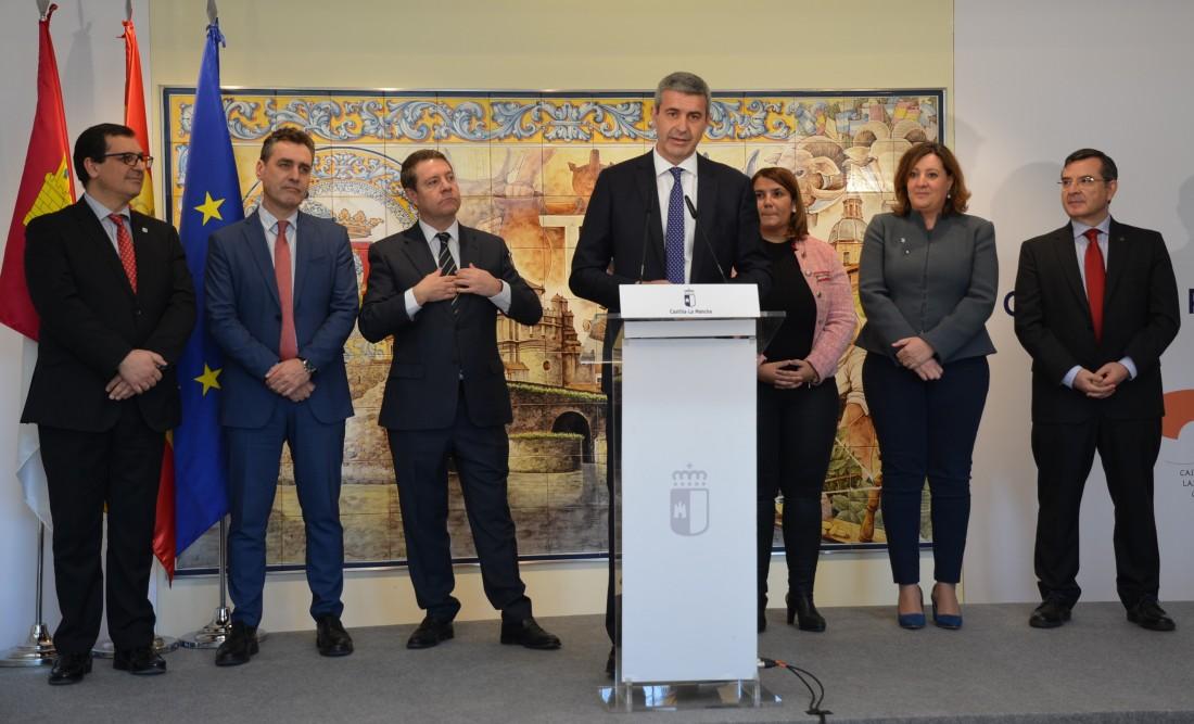 Álvaro Gutiérrez en el acto de la oficina de empleo y el centro de formación de Talavera