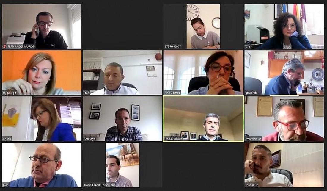 Momento de una reunión telemática del Gobierno de la Diputación de Toledo