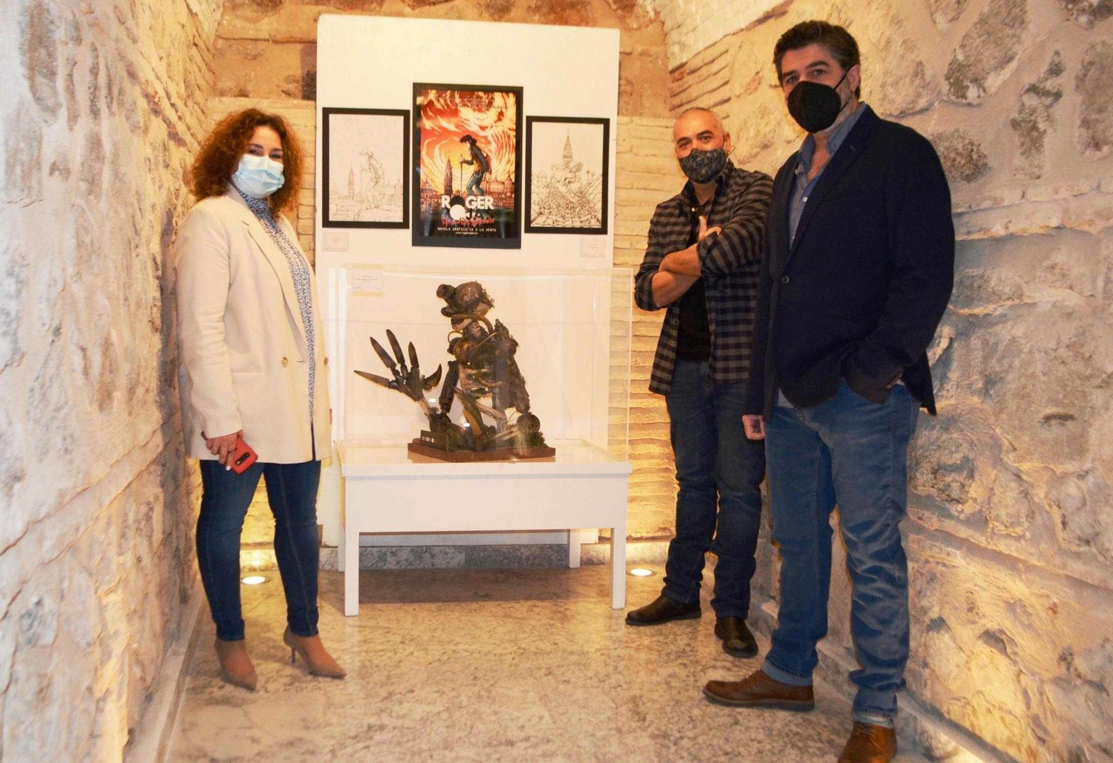 Cristina Cebas con los autores del cómic