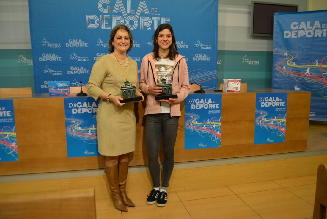 La vicepresidenta y la atleta toledana, Irene Sánchez
