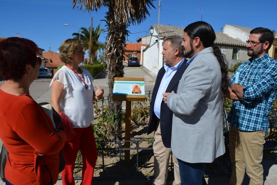 María Ángeles García y los representantes de Huecas, Rielves y Barcience recorren las señales