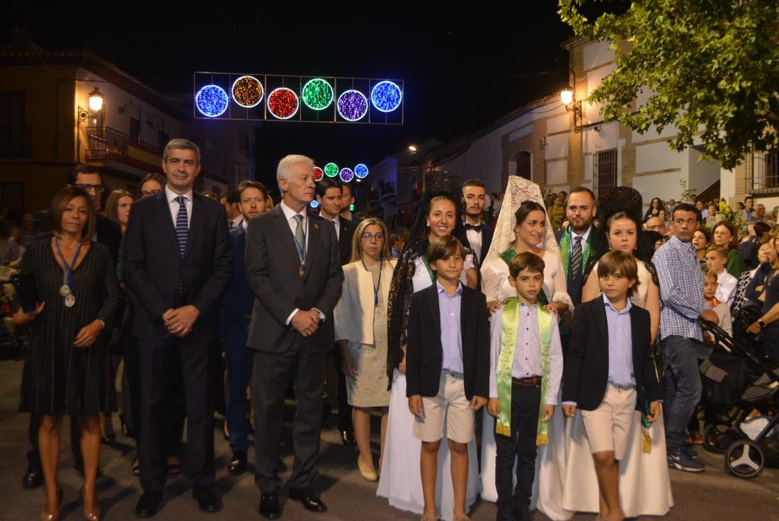 Álvaro Gutiérrez con Charo Navas y Javier Úbeda en las fiestas de Olías del Rey