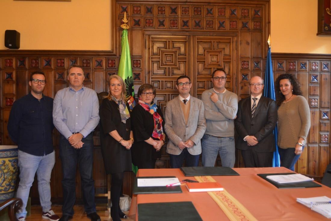 Acuerdo Diputación-sindicatos para servicios mínimos huelga 8 de marzo