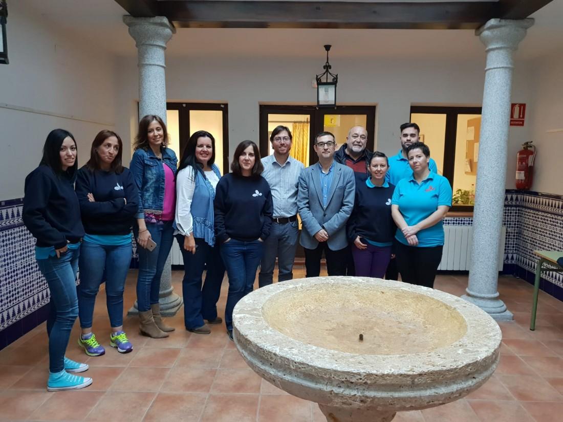 Fernando Muñoz y Victor Botica con los alumnos y alumnas del taller