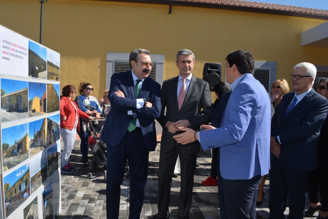 Álvaro Gutiérrez, Jesús Fernández y Jesús Mayoral en el nuevo consultorio de Calypo-Fado