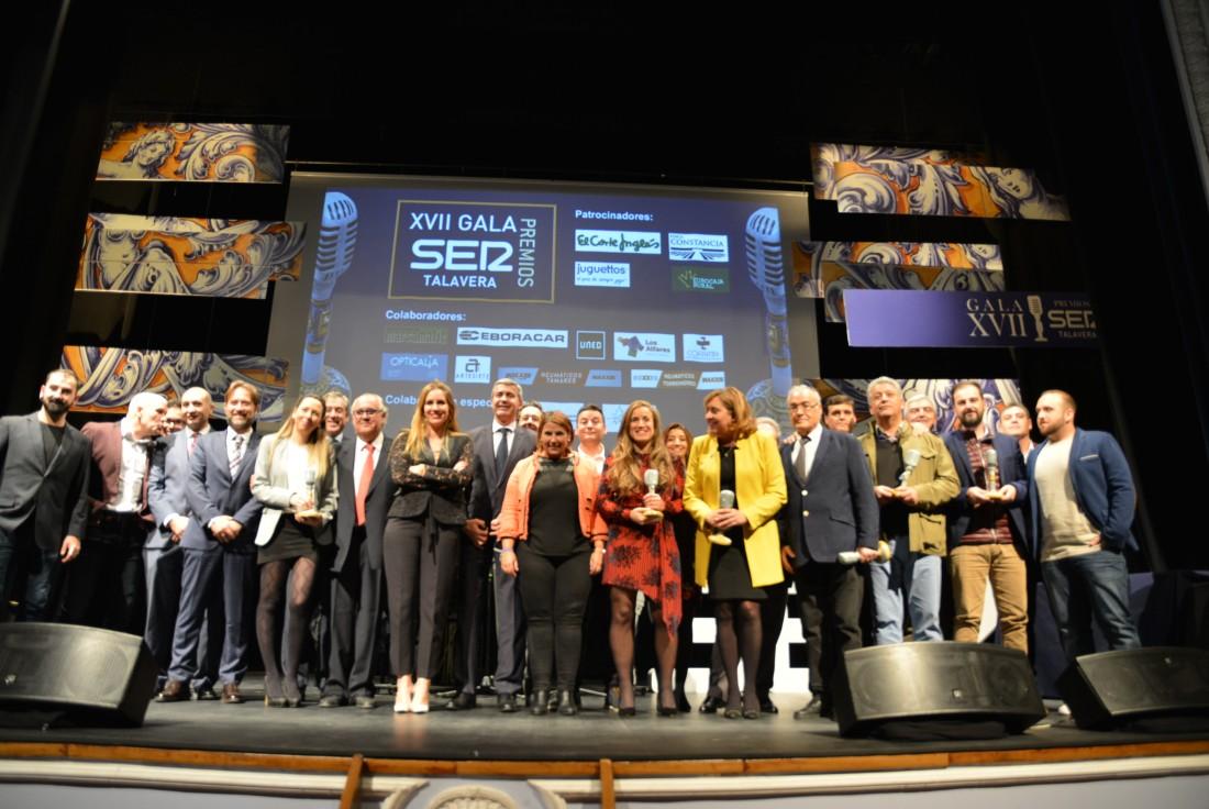 Álvaro Gutiérrez en la foto de familia de los Premios Ser Talavera 2019