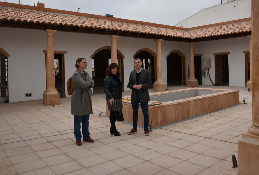 Fernando Mora con Dolores Verdúguez y Gema Torres