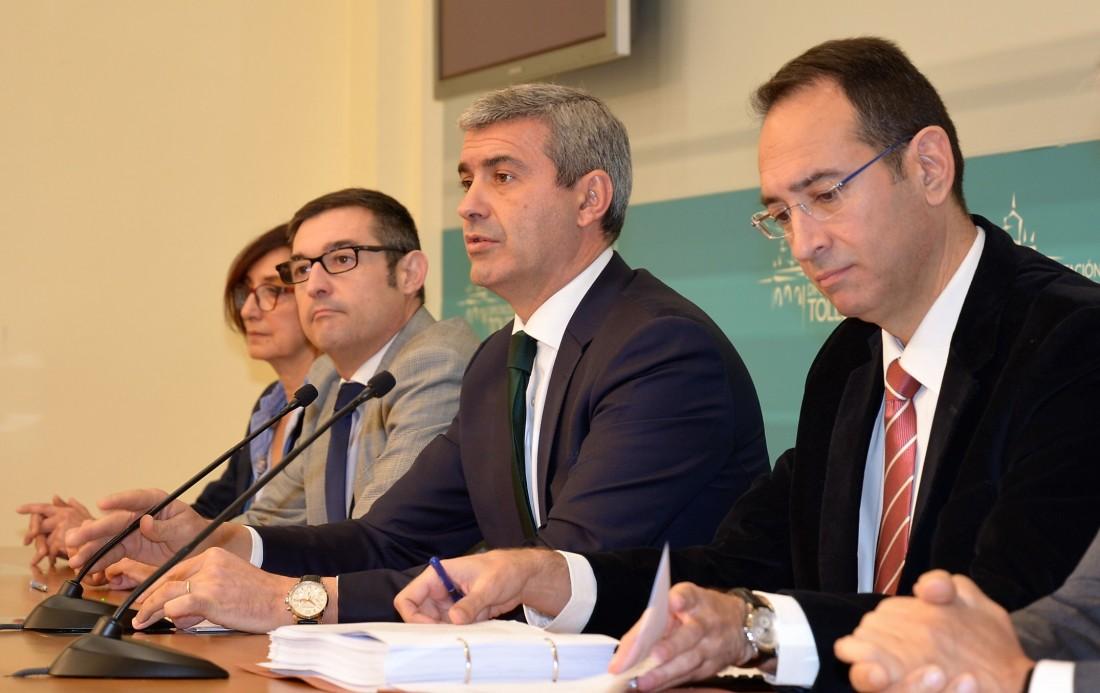 Foto de Archivo. Presidente y vicepresidentes y vicepresidenta de la Diputación de Toledo