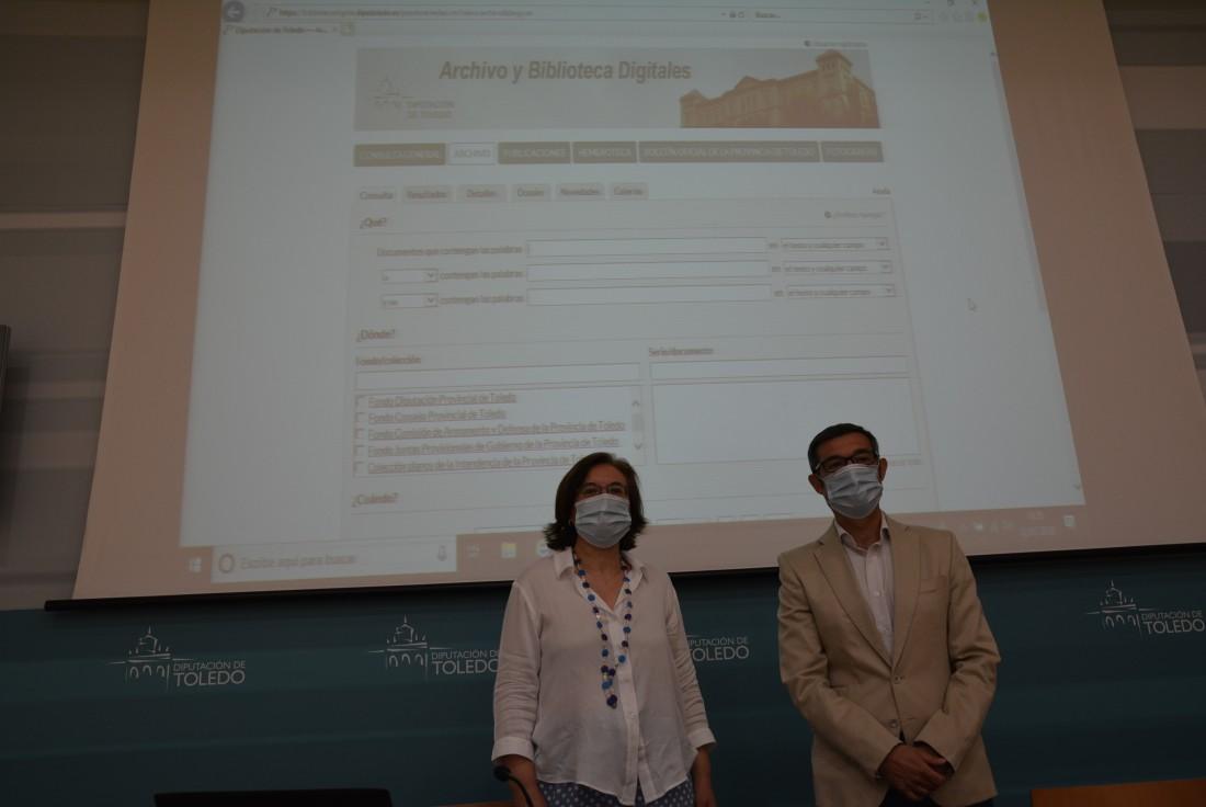 Fernando Muñoz y Flor Martín Payo en la presentación de la plataforma a los medios de comuncación