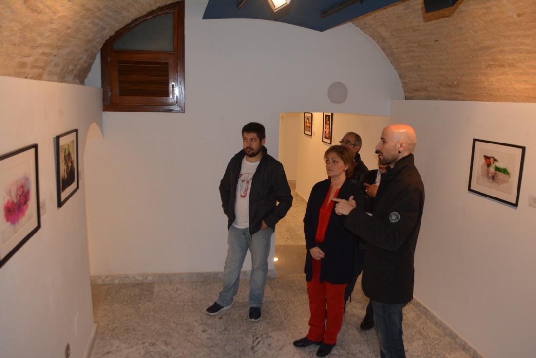 María Ángeles Garcia y Luiso García inaugurando la exposición