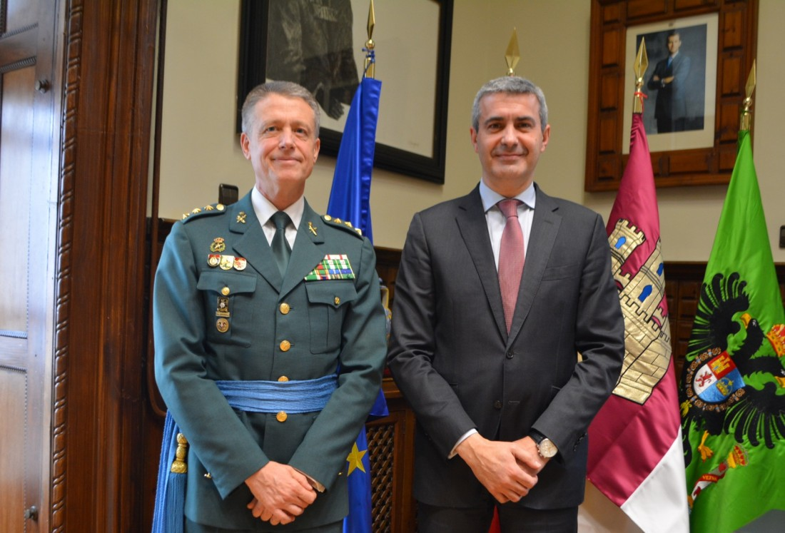 El presidente de la Diputación y el coronel jefe de la Comandancia de la Guardia Civil en Toledo