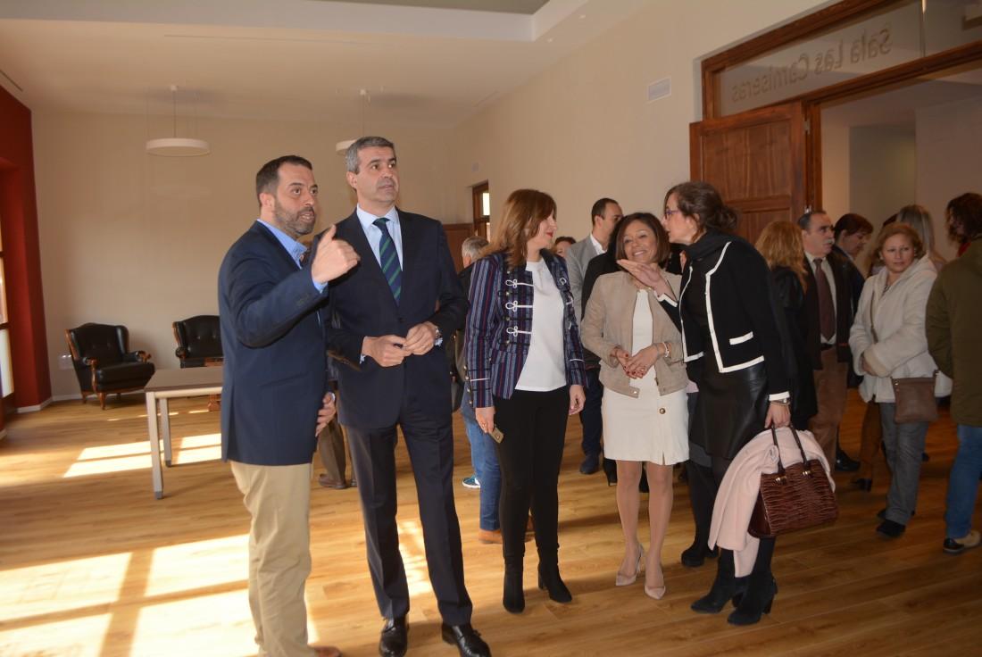 Álvaro Gutiérrez inaugura el Centro de la Mujer de Torrijos
