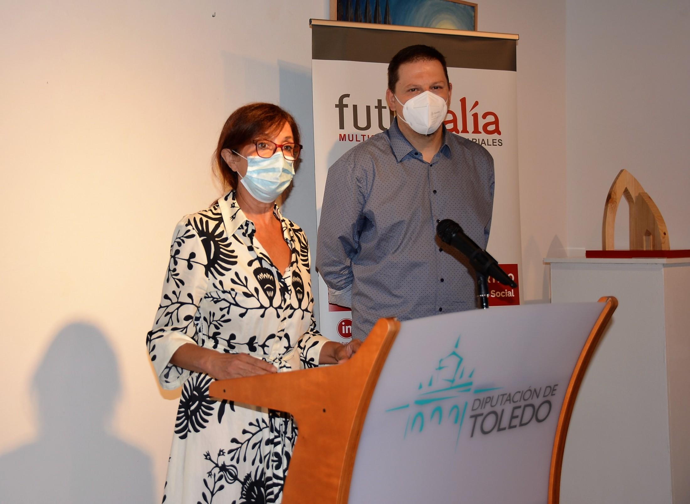 Ana Gómez y Andrés Martínez con los alcaldes de ayuntamientos de la Red