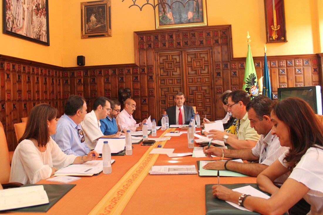 Foto de archivo de una reunión de la Junta de Gobierno