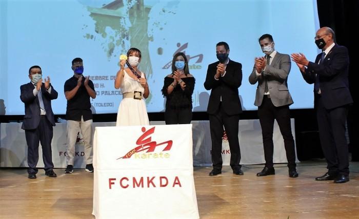 María Jesús Pérez en la gala de reconocimiento a los karatecas de la región