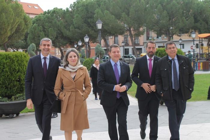 Álvaro Gutiérrez con Araceli Martínez, Emiiliano García-Page, Anastasio Arevalillo y Javier Niiclás