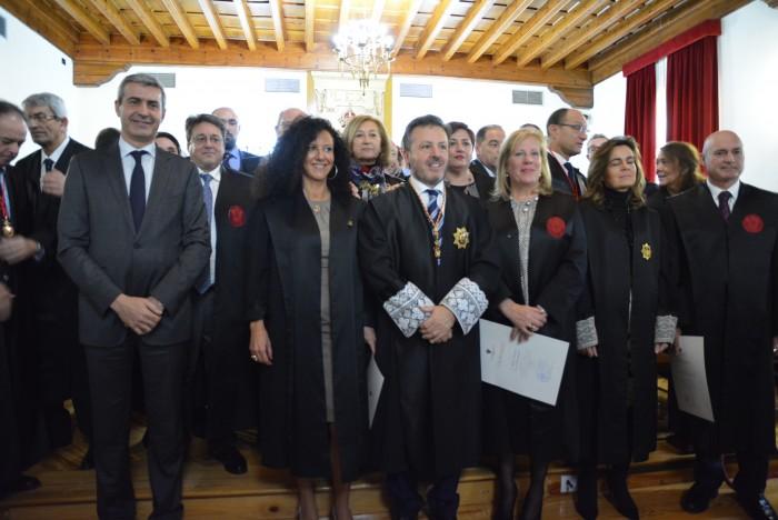 Álvaro Gutiérrez con los miembros del Colegio de Abogados de Toledo tras el acto institucional