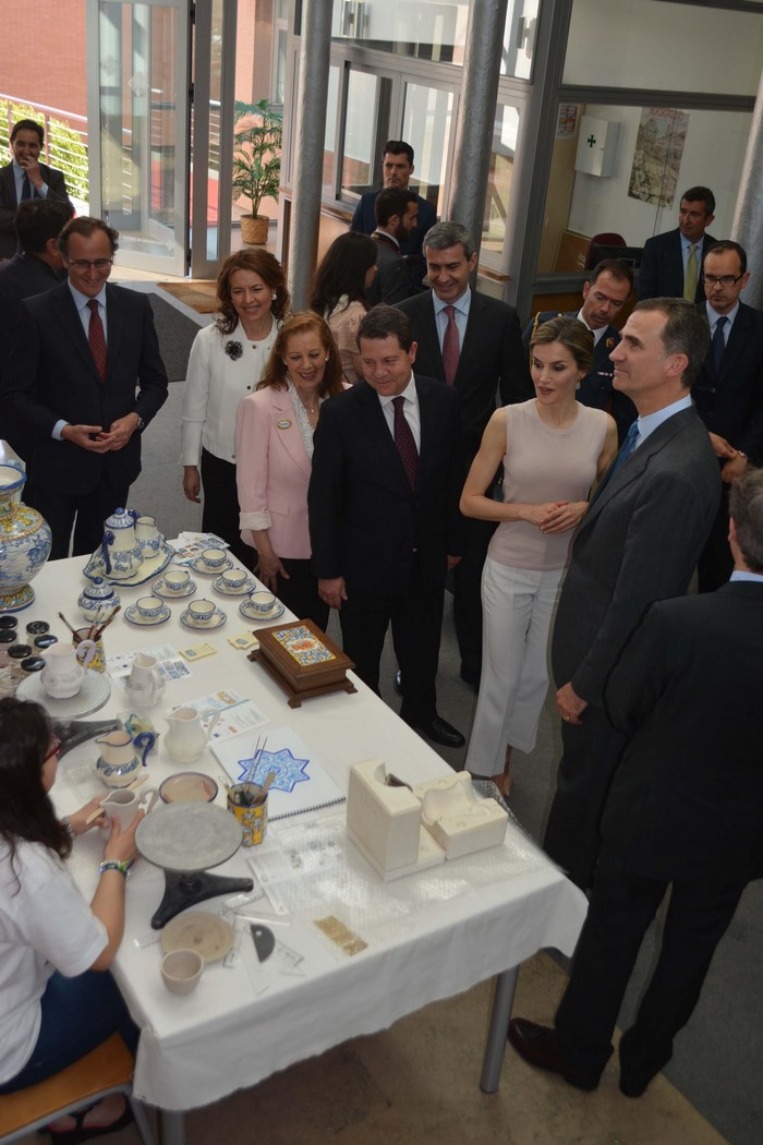 Álvaro Gutiérrez en la visita de los Reyes a la Facultad de Ciencias Sociales de la Universidad