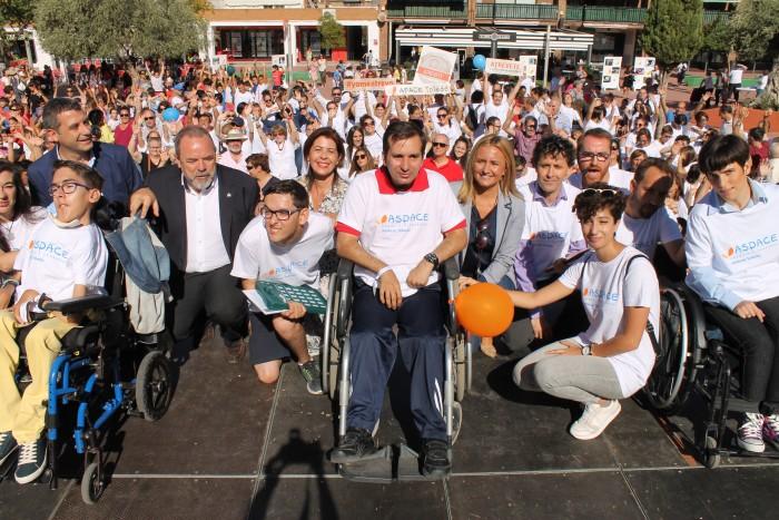 Élvira Manzanque en la fiesta de APACE para celebrar el Día Mundial de la Parálisis Cerebral