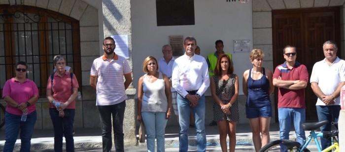 Álvaro Gutiérrez con concejales y concejalas Ayuntamiento Escalona