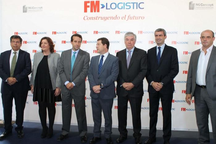 Álvaro Gutiérrez junto al presidente de Castilla-La Mancha y el resto de asistentes al acto