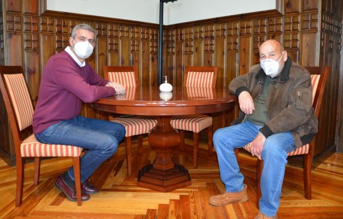 Álvaro Gutiérrez y Fernando Pedro Chouciño en un momento de la reunión