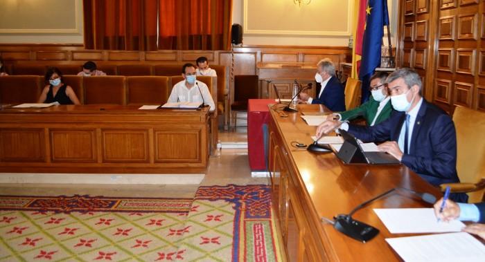 Álvaro Gutiérrez en el pleno de la Diputación de Toledo
