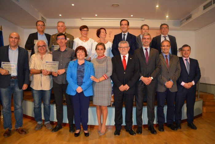 Álvaro Gutiérrez con los socios de honor