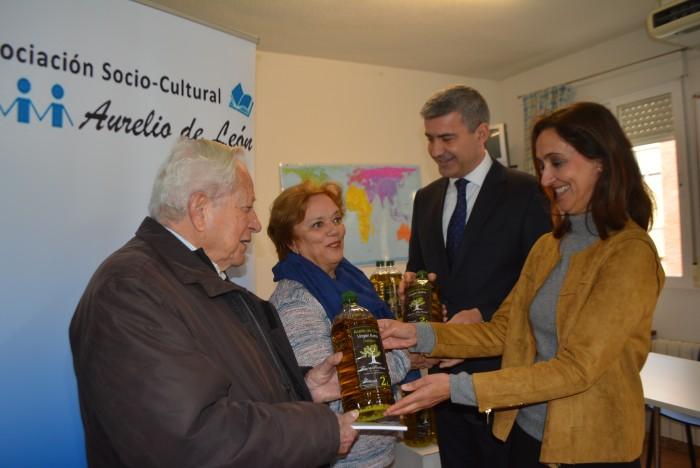 La Diputación ha entregado más de 8.000 litros de aceite a entidades sociales