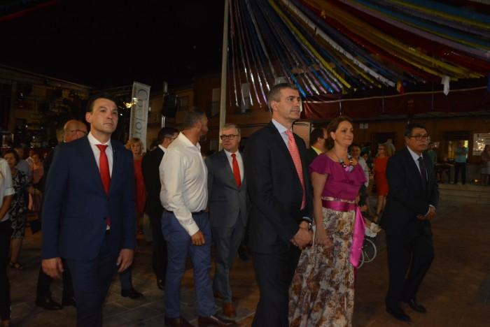 Álvaro Gutiérrez en un momento de la concurrida procesión de la Virgen de Santa Bárbara,