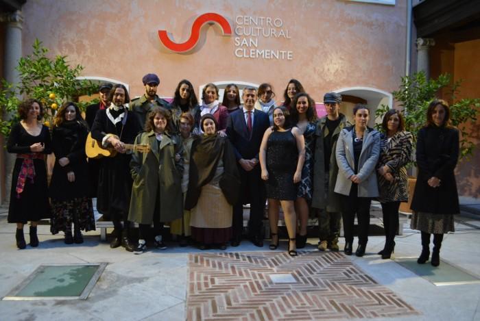 Álvaro Gutiérrez con actores y actrices en la Gala