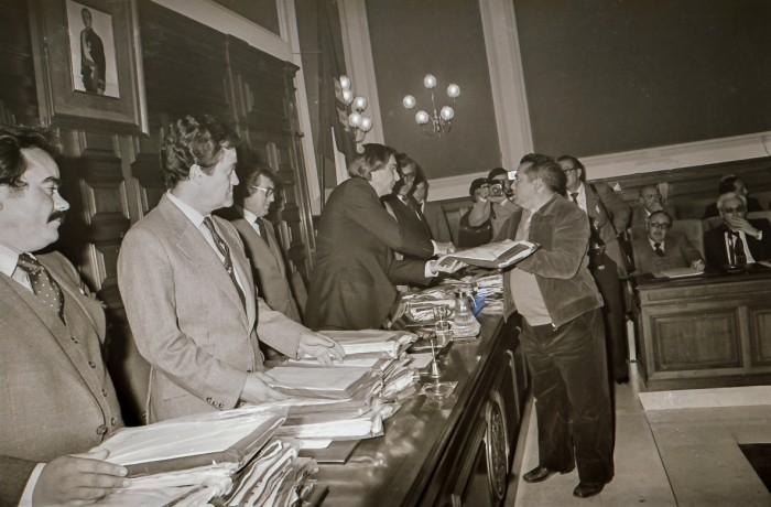 Entrega banderas autonomía alcaldes provincia (Archivo vasil)