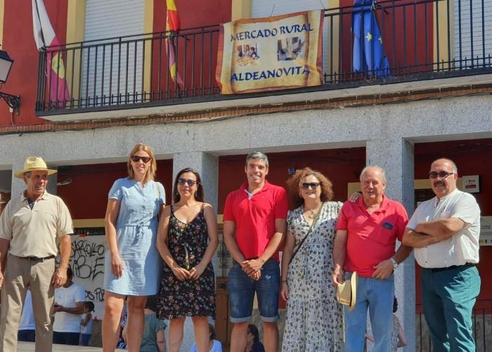 Cristina Cebas en la inauguración del mercado rural