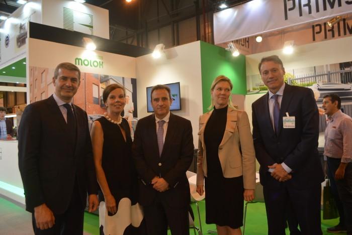 Álvaro Gutiérrez con la embajadora de Finlandia en España en la TECMA