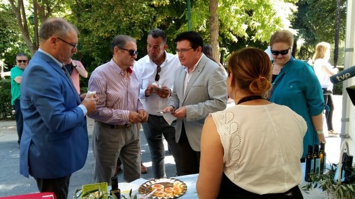 Rafael Martín destaca la calidad del aceite Montes de Toledo