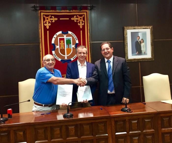 De derecha a izquierda: Tomás Villarrubia, JOsé Antonio Contreras y Mariano Privado