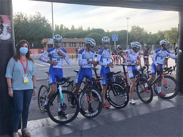 María Jesús Pérez en la salida de una de las pruebas de la Vuelta Ciclista a Talavera Junior
