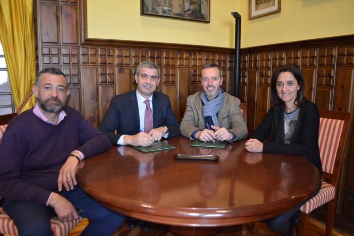 Firma del convenio entre Diputación y Mancomunidad de la Sagra Baja