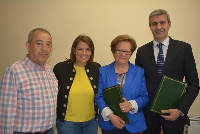 Álvaro Gutiérrez en la firma del convenio con ATAFES