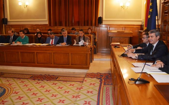 Álvaro Gutiérrez durante un momento del pleno