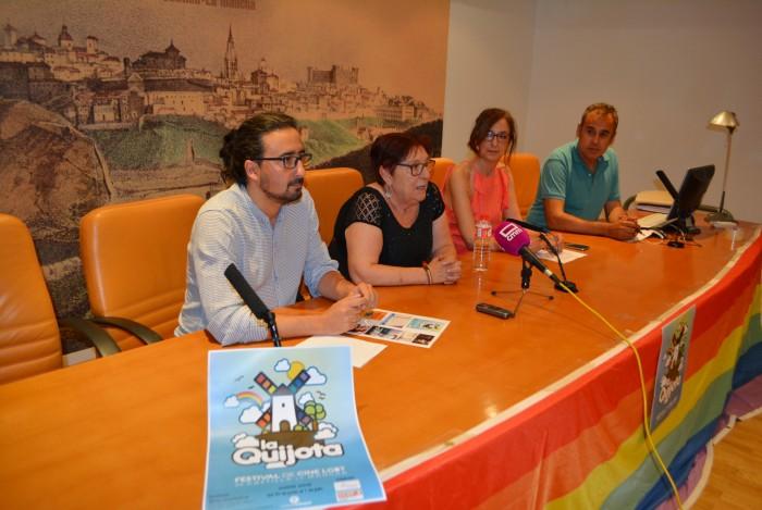 Ana Gómez con Maribel Blanco, Diego Mejías y Pedro López