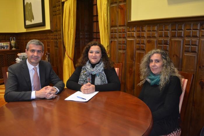 Álvaro Gutiérrez con Silvia del Olmo y Paloma Pérez
